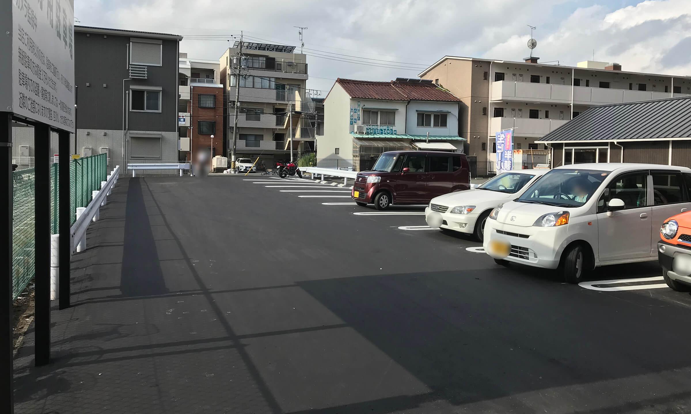 支留比亜珈琲の岩塚店駐車場の台数